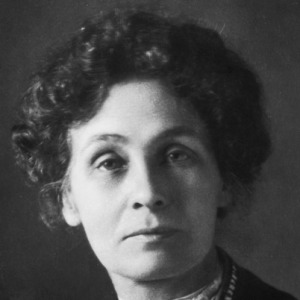 Greer should take a leaf out Pankhurst's book -